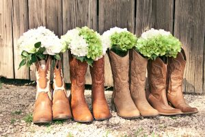 cowboy-boots-western-wedding-flowers